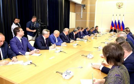 Встреча свновь избранными главами регионов