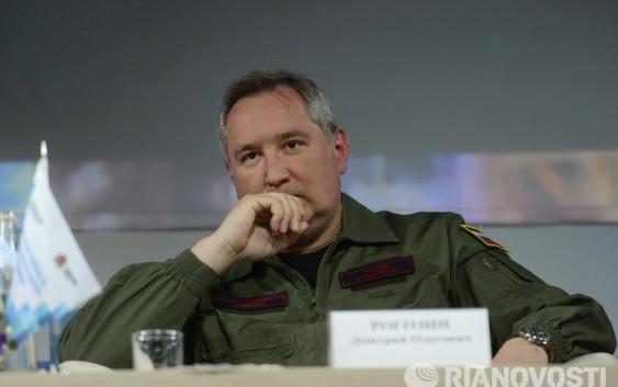 """Рогозин: """"безобразие"""" с зарплатой на """"Восточном"""" прекратилось"""