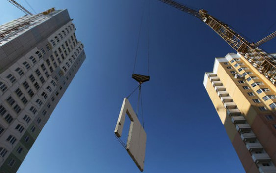 Застройщики-банкроты смогут продать недостроенное жилье санатору