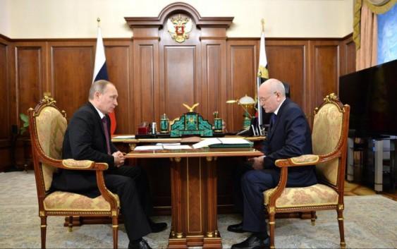 Владимир Путин провел рабочую встречу с главой Республики Башкортостан Рустэмом Хамитовым