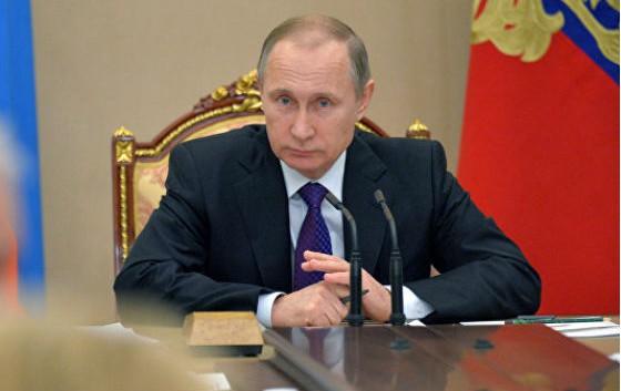 Путин отправил в отставку губернатора Забайкальского края и объявил выговор главе Карелии