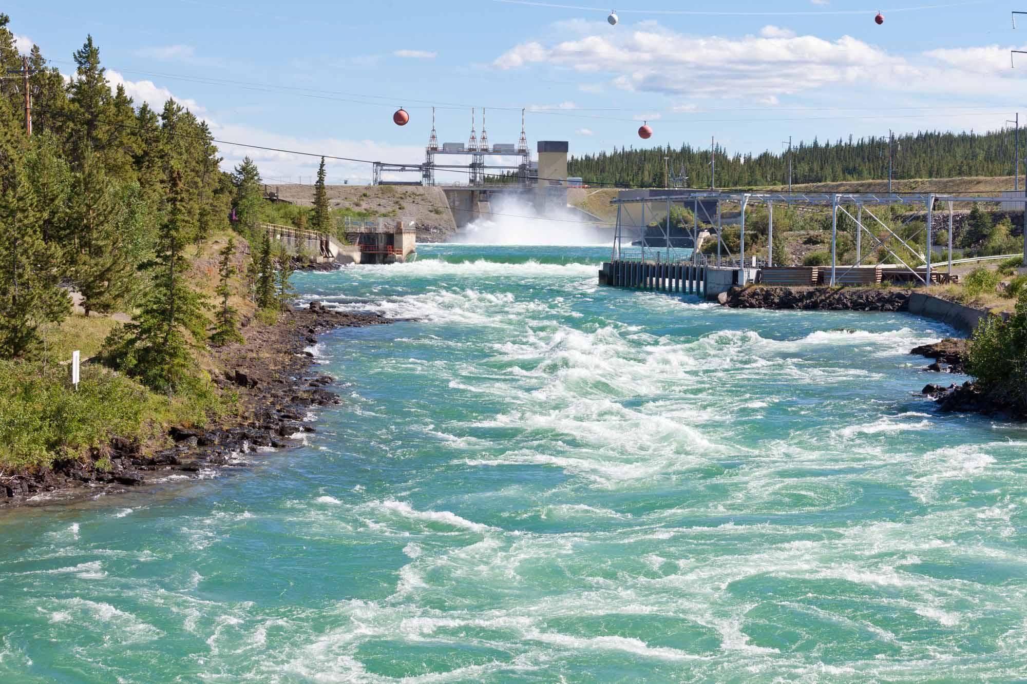 canada pursues extensive development of hydroelectric power The geography of canada describes the geographic features of canada, the world's second largest country in total area situated in northern north america (constituting 41% of the continent's area), canada spans a vast, diverse territory between the north pacific ocean to the west and the north atlantic ocean to the east and the arctic.