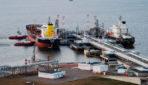 Путин поручил перевести в рубли тарифы на погрузку в портах