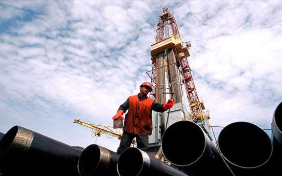 Новак назвал текущие цены на нефть оптимальными для инвестиций в отрасль