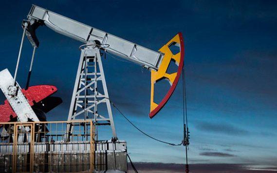 Эксперты: Россия и ОПЕК в 2018 году попытаются сдержать рост цен на нефть до $70