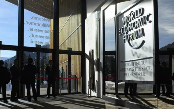 На форуме в Швейцарии санкции сравнили с экономической войной