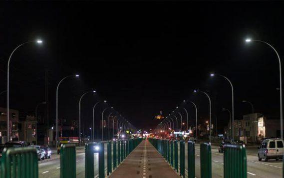 Интеллектуальная система управления светодиодным освещением поможет снизить потребление электроэнергии вдвое