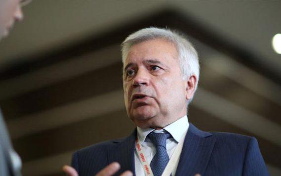 Российские нефтяные компании и Минэнерго обсудят поддержку НПЗ и сделку ОПЕК+