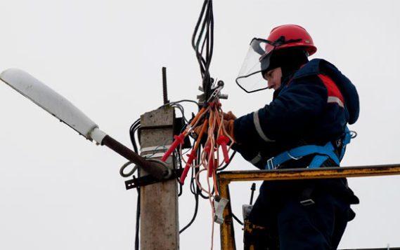 Кабмин предложил повысить штрафы за самовольное подключение к электросетям