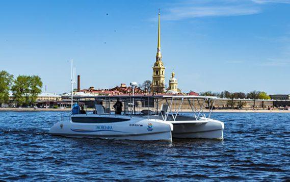 В Санкт-Петербурге состоялась презентация первого российского экокатамарана