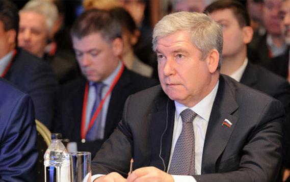 С.Я. Есяков приветствует участников конференции «Финанирование проектов по энергосбережению и ВИЭ»