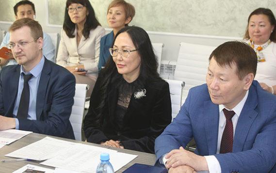 АКБ «Алмазэргиэнбанк» и «Системный Консалтинг»  встретились «без галстуков» в Якутске