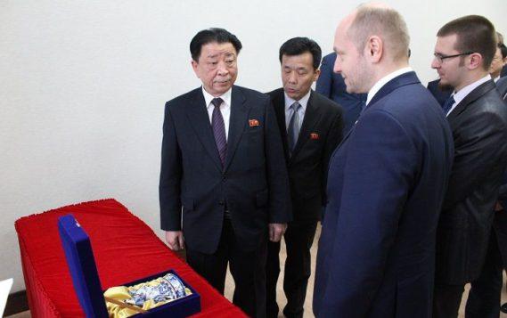 Главу Приморья просят уделить внимание строительству моста в Северную Корею