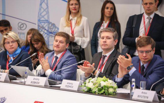 В рамках Молодежного дня РЭН-2018 состоялось совещание на тему «Популяризация инже-нерных профессий, инженерно-технического образования и развития новых технологий»