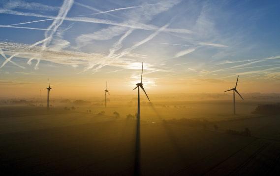 Возобновляемая энергетика Великобритании бьет рекорды благодаря новым ветропаркам
