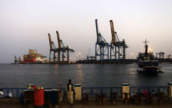 Россия и Судан намерены построить НПЗ в Порт-Судане мощностью 220 тысяч баррелей в день