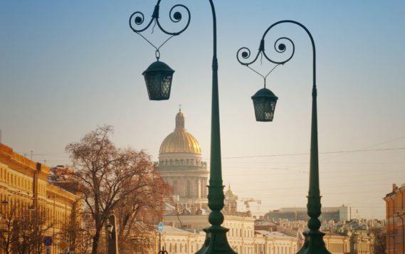 Петербургские фонари будут раздавать связь. На опорах хотят расставить базовые станции для сетей 5G