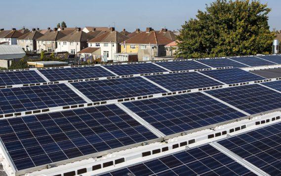 Солнечные панели на крышах школ – ученые подсчитали выгоду