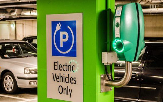 В Норвегии доля электромобилей в продажах в 2019 году достигла почти 55%