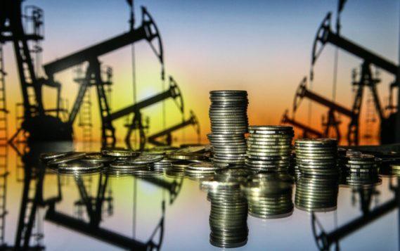 Российским нефтекомпаниям придется урезать инвестиции