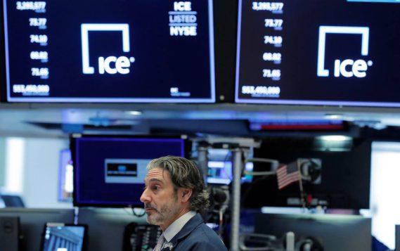 Эксперты: цены на нефть не будут превышать $30-33 за баррель как минимум до мая
