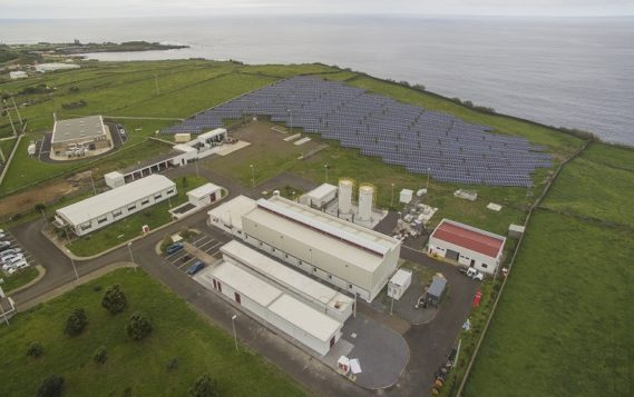 Гибридная ВИЭ-электростанция открыта в Португалии