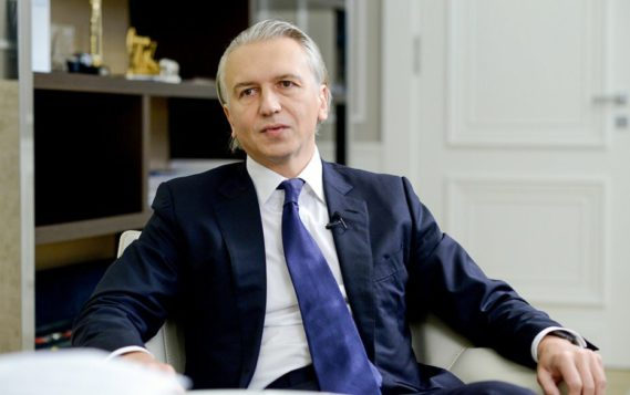 Глава «Газпром нефти» рассказал о плюсах низких цен на нефть