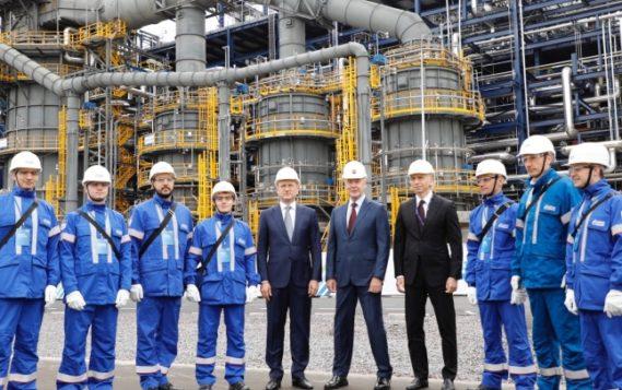 Александр Новак: «Объем инвестиций в нефтепереработку достиг 1,4 трлн рублей»