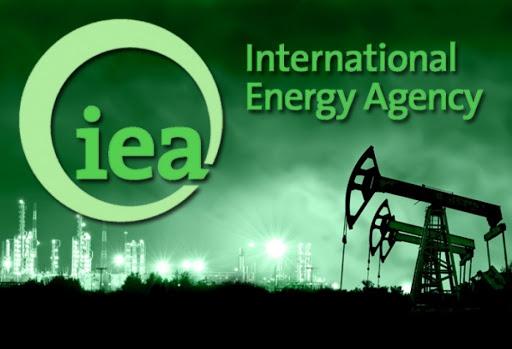 IEA: рынок нефти становится еще более уязвим, поскольку пандемия продолжает сказываться на спросе