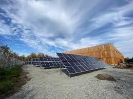 В Краснообске запущена крупнейшая в Новосибирской области солнечная электростанция