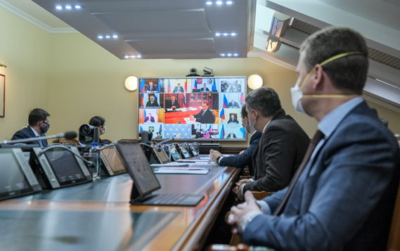 Трутнев заявил о необходимости создания условий для запуска новых инвестпроектов в Арктике