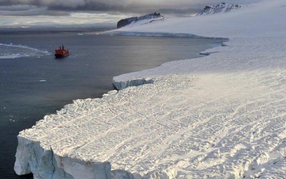 Эксперт МЧС: более 17 тыс. контейнеров с ядерными отходами лежат на дне морей в Арктике