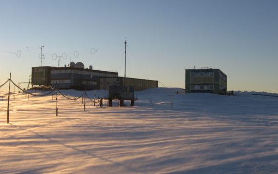 Правительство выделило 3,5 млрд рублей на транспортировку и монтаж нового антарктического зимовочного комплекса