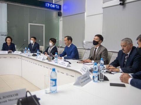 Под руководством Айсена Николаева проведено первое заседание Совета по благополучию и устойчивому развитию Якутии